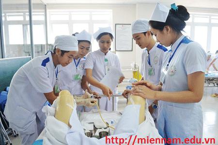 Liên thông Đại học ngành Điều dưỡng tại TPHCM