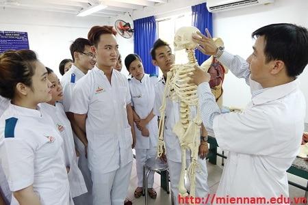 Xét tuyển Trung cấp Y sỹ Đa khoa tại TPHCM